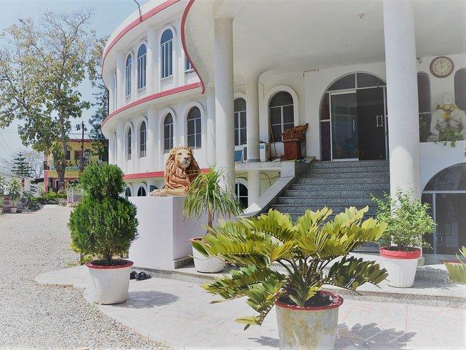8 jours en stage de yoga, detox, régénération et méditation à Rishikesh, Inde
