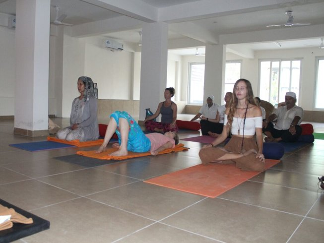 14 Days Rejuvenating Yoga Retreat in India