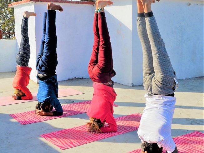 31 jours-300h de formation de professeur de yoga thérapeutique et Ayurveda  à Rishikesh, Inde