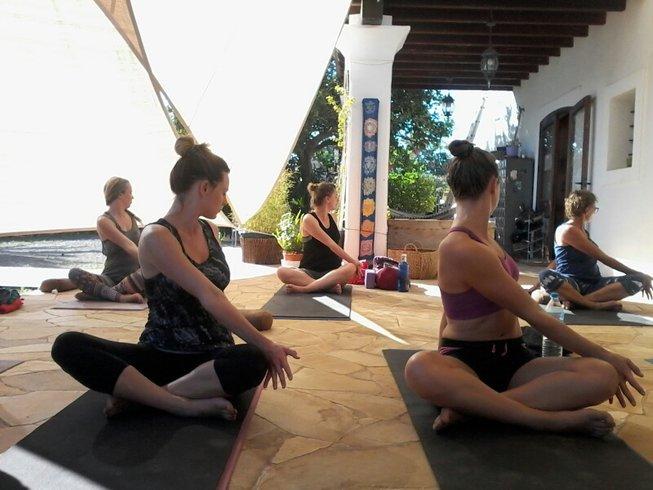11 Tage Bed & Breakfast Yoga Urlaub auf Ibiza, Spanien
