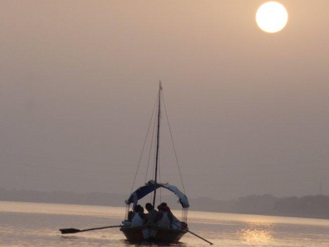 9 Tage Segeln und Camping Yoga Retreat am Ganges, Indien