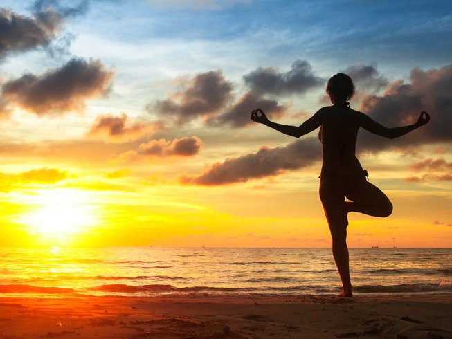 5 Days Vikara Lifestyle Surf and Yoga Retreat in Olon, Ecuador