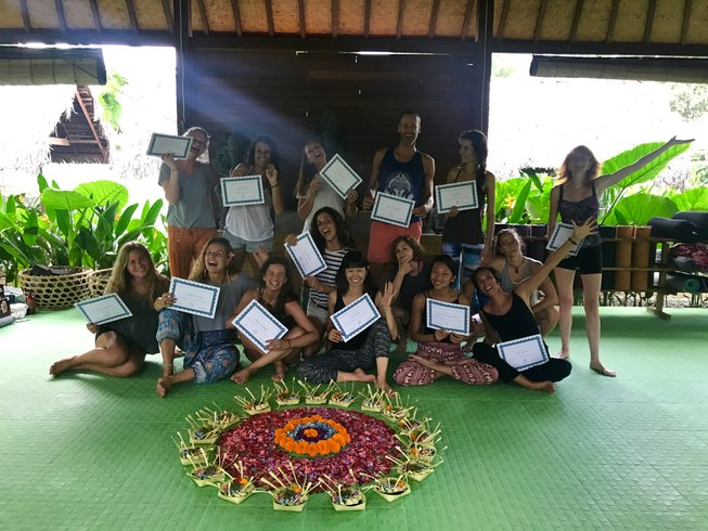 22 Days 200-Hour Ashtanga and Yin Yoga Teacher Training in Lembongan, Bali