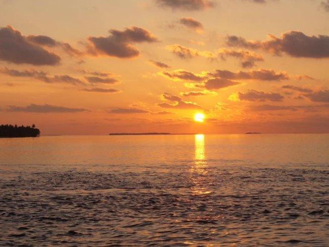 11 Days Boat Surf Trip in Huvadhu Atoll, Maldives