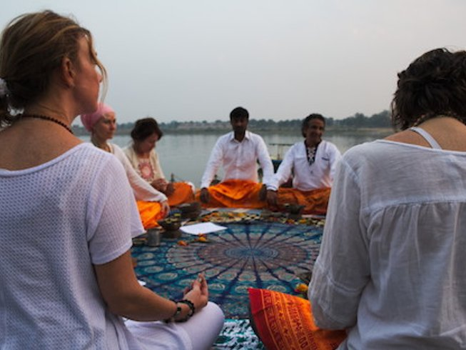 11 Tage Authentischer Esoterischer Yoga Yajnya Retreat in Maheshwar, Indien