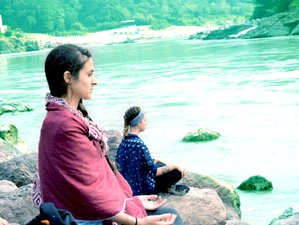 14 Days Relaxing and Energizing Meditation & Yoga Retreat in Rishikesh, India
