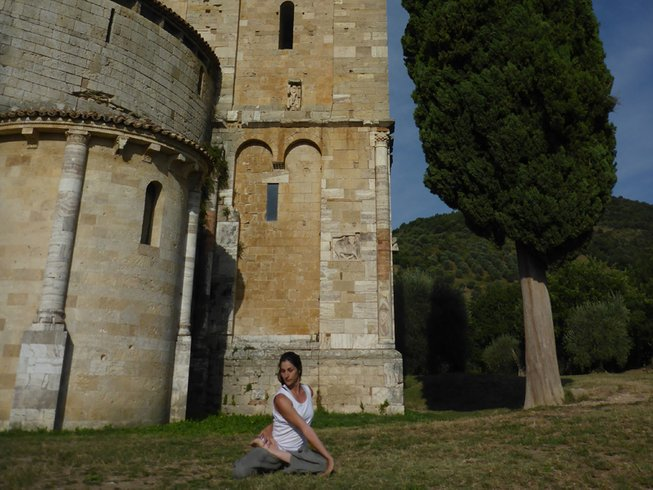 4 Days Traditional Cooking and Yoga Retreat in Italy