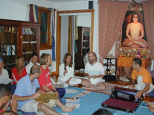 15 Days Intensive Yoga Teacher Training in Quebec