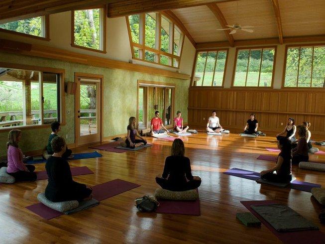 4 Days Meditation and Yoga Retreat in Canada
