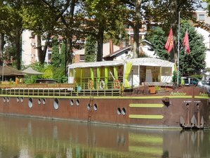 4 Days of Relaxation Yoga Holiday on a boat on the Canal du Midi in the Center of Toulouse, France
