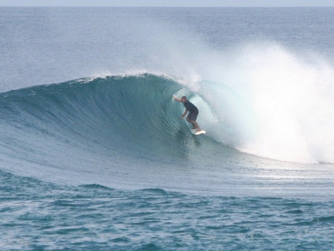 5 Days Surf Camp in Maldives