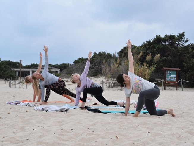 4 jours en stage de yoga, voyage en mer et en forêt en Sardaigne, Italie