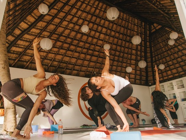 11 Days Safari and Beach Yoga Retreat Zanzibar