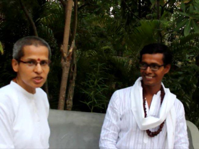 48 días esencia profunda: profesorado de yoga Gyana de 500 horas en Tamil Nadu, India