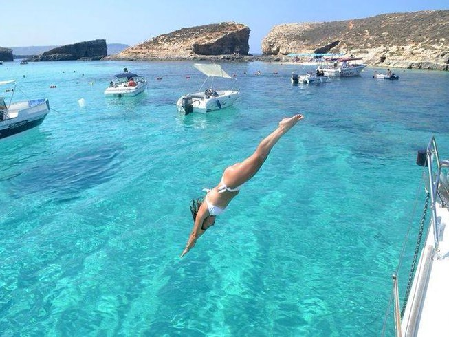 3 Days Sailing and Yoga Retreat in Sicily, Italy