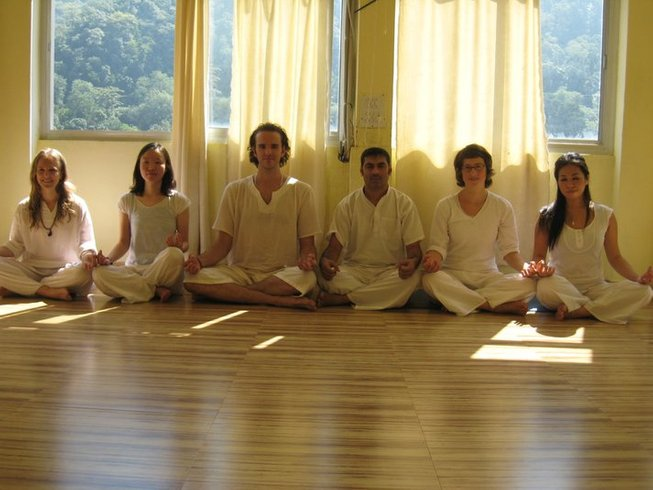 6 Days Meditation and Intensive Yoga Retreat in Rishikesh, India