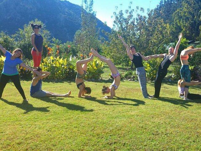 7 jours en stage de yin yoga sur les étirements arrière à Muğla, Turquie