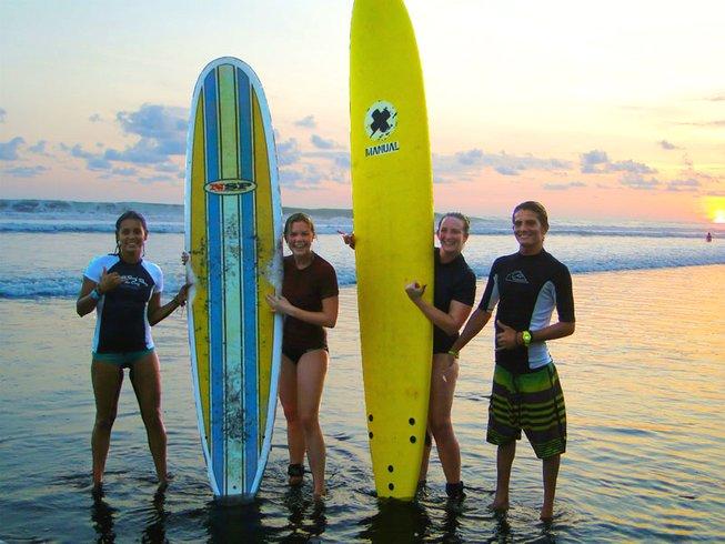8 jours de retraite de yoga et de surf économique, Costa Rica