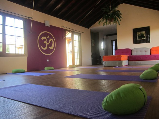 8 Days Kite and Yoga Holiday in Spain