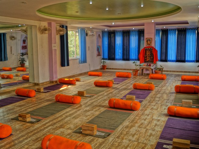 28 Days 200-Hour Meditation Teacher Training in Rishikesh, India