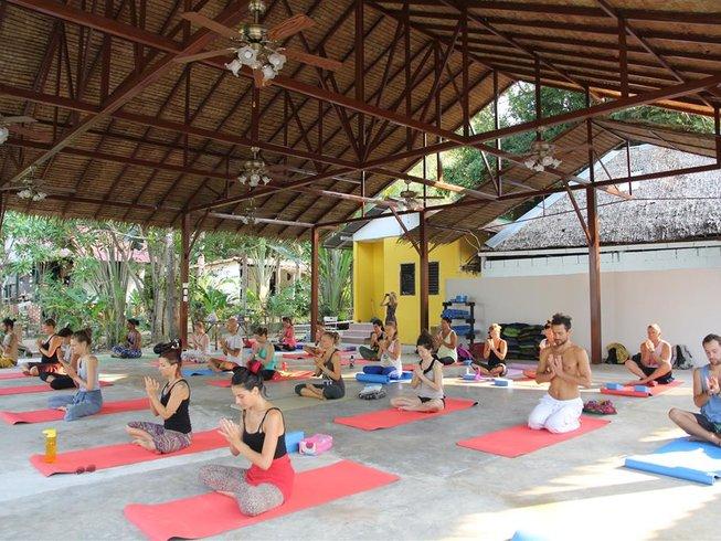 29 Tage Erwachen & Heilen Yoga Urlaub in Koh Phangan, Thailand