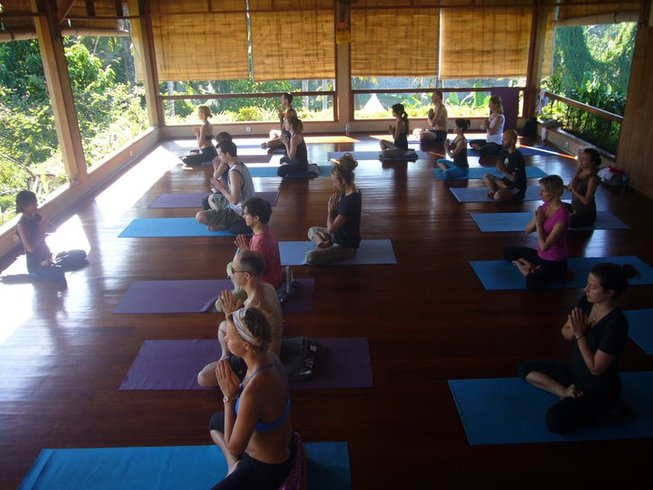 10-Daagse Trek, Surf en Yoga Retraite in Bali