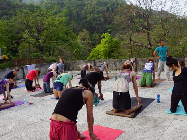 28 días, 200 horas profesorado de Ashtanga yoga en Rishikesh, India