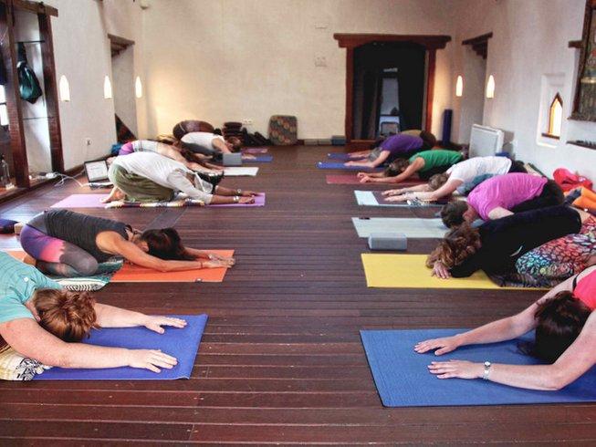 11 Days Asana and Buddha Mind Yoga Retreat in Nepal