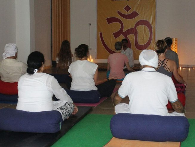 7 Days Meditation and Yoga Retreat in Rishikesh, India