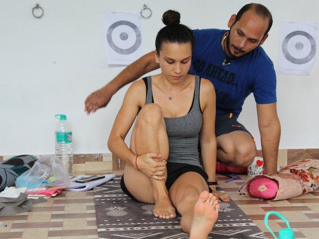 24 días, 200 horas profesorado de yoga Ashtanga en Rishikesh, India