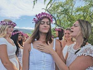 17 Tage 200-Stunden Spirituelle Hatha und Vinyasa Yogalehrer Ausbildung mit Blick auf die Berge in Hawaii