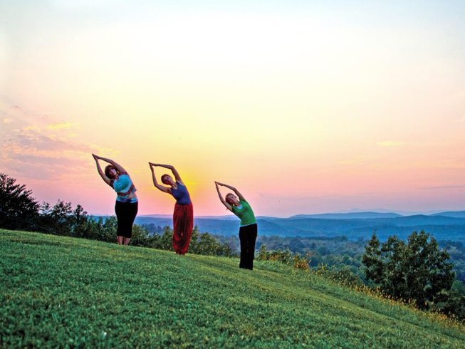 4 Days Silent Fall Yoga Retreat in USA