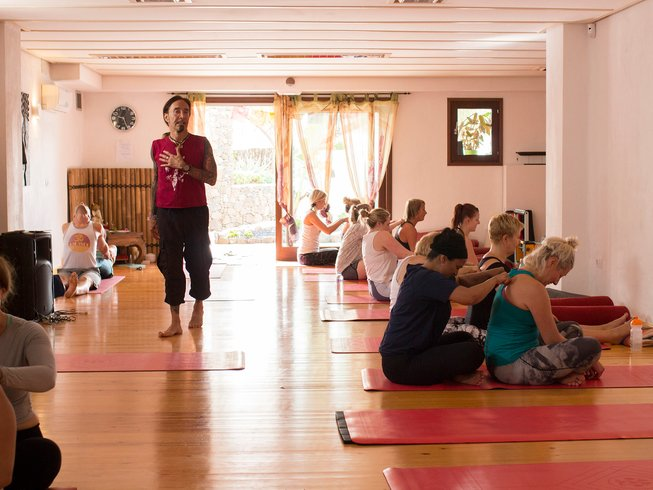 a3712e1525997 8 Days New Year Yoga Retreat with David Sye in Fuerteventura, Spain -  BookYogaRetreats.com