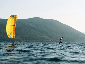 8 Days Ultimate Kite Camp with 9-Hour Beginner Course and Full Week Gear Rental in Lefkada, Greece