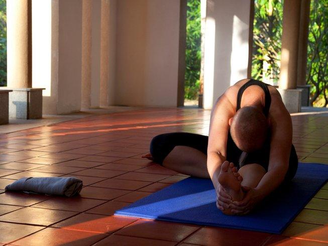 8 Days Meditation, Yoga and Spiritual Retreat in India