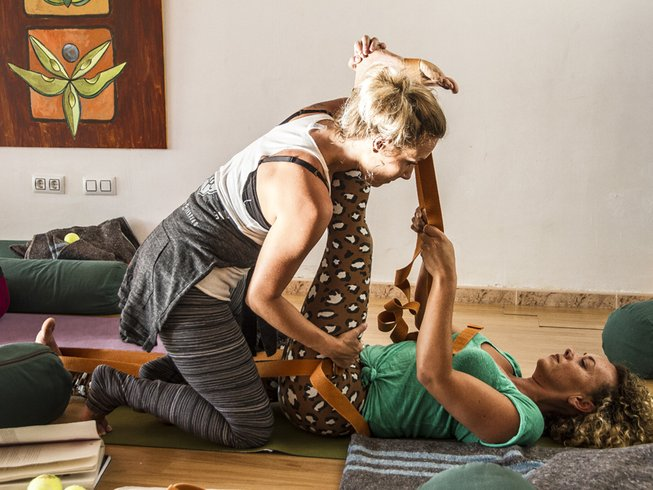 7 días profesorado de yoga chamánico y trabajo corporal tailandés en Alicante, España