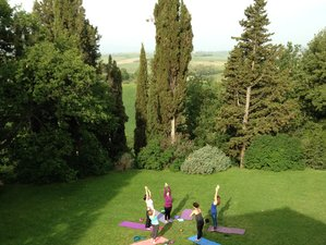 5 Day Life is an Art Retreat for Women: Yoga, Coaching, and Intuition Painting® in Tuscany