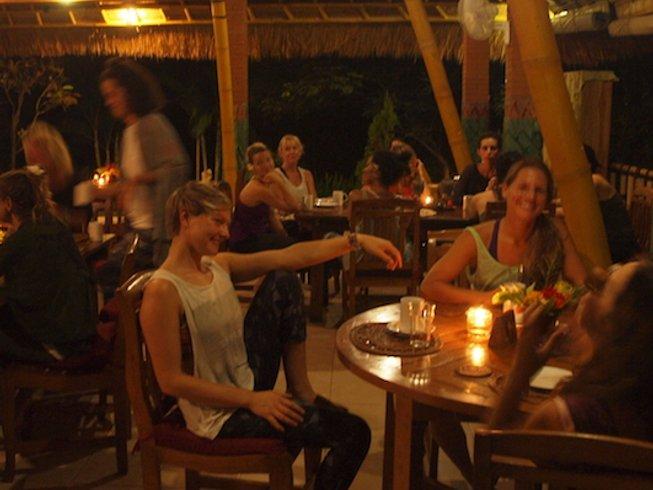 55 Days 500 horas de profesorado de yogaterapia elemental en Bali, Indonesia