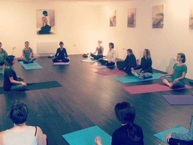 4 Days New Year Meditation and Yoga Retreat in East Sussex, UK