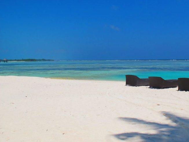 7 Days Fun Surf Camp Maldives