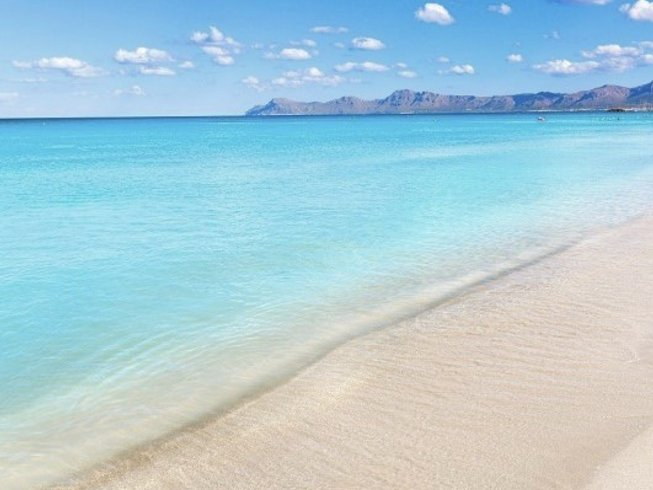 4 Days Beach Meditative Yoga and Explore Retreat at Mallorca, Spain