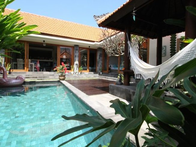 4 Days Exciting Yoga and Surf Retreat in Denpasar, Bali