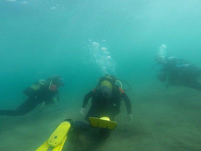 8 Days Fun Dive and Surf Camp in Caleta de Famara, Teguise, Spain