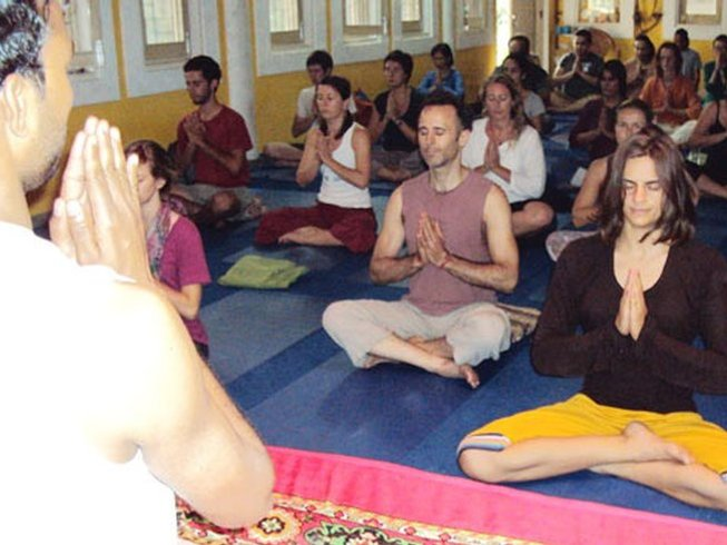 28 Days 200 Hours Yoga Teacher Training in Rishikesh, India