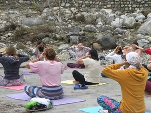 13 Days Yoga for Beginners in Rishikesh Yogpeeth, India