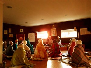 6 Day Kundalini Yoga, Meditation, Kirtan, and Ashram Life Healing Retreat in São João das Lampas