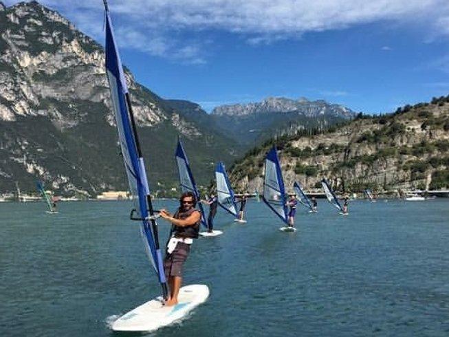 7 Days Windsurfing Surf Camp Italy