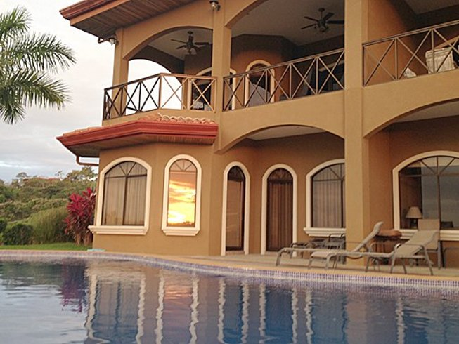 4 Days The Phoenix Yoga Retreat in Playa Hermosa, Costa Rica
