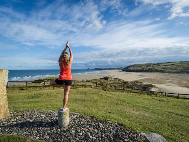 4 jours en stage de yoga, surf et paddle au Royaume-Uni