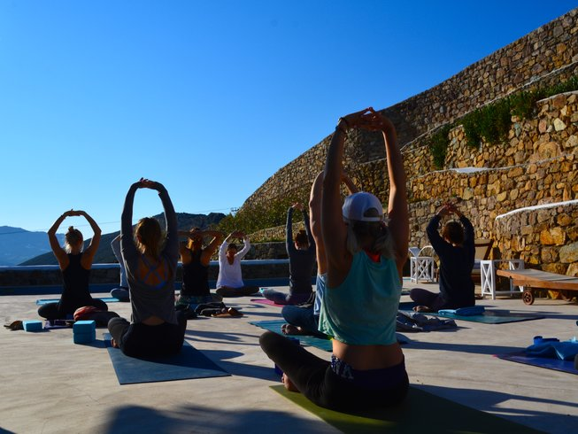 10 Days Luxurious Yoga Retreat in Mykonos